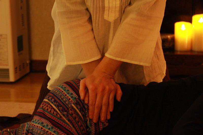 タイ古式マッサージRatna-ラトナ-の指・手の施術イメージ